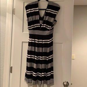 WHBM BLACK AND WHITE STRIPED DRESS